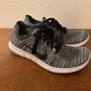 Nike Shoes - Nike Fly Knit 8.5
